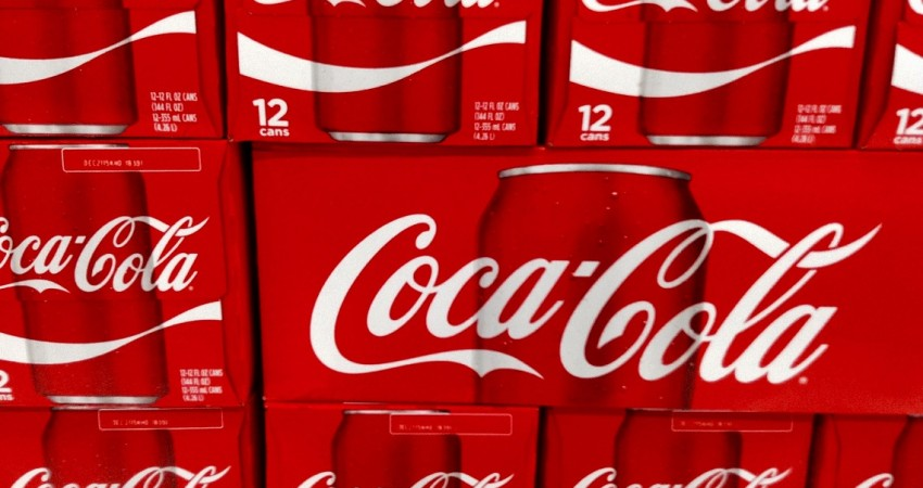 Coke plans to sell off all of its US manufacturing plants by 2017.