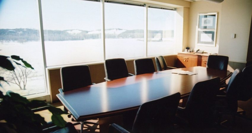 Should You Leave Negotiation to Experts
