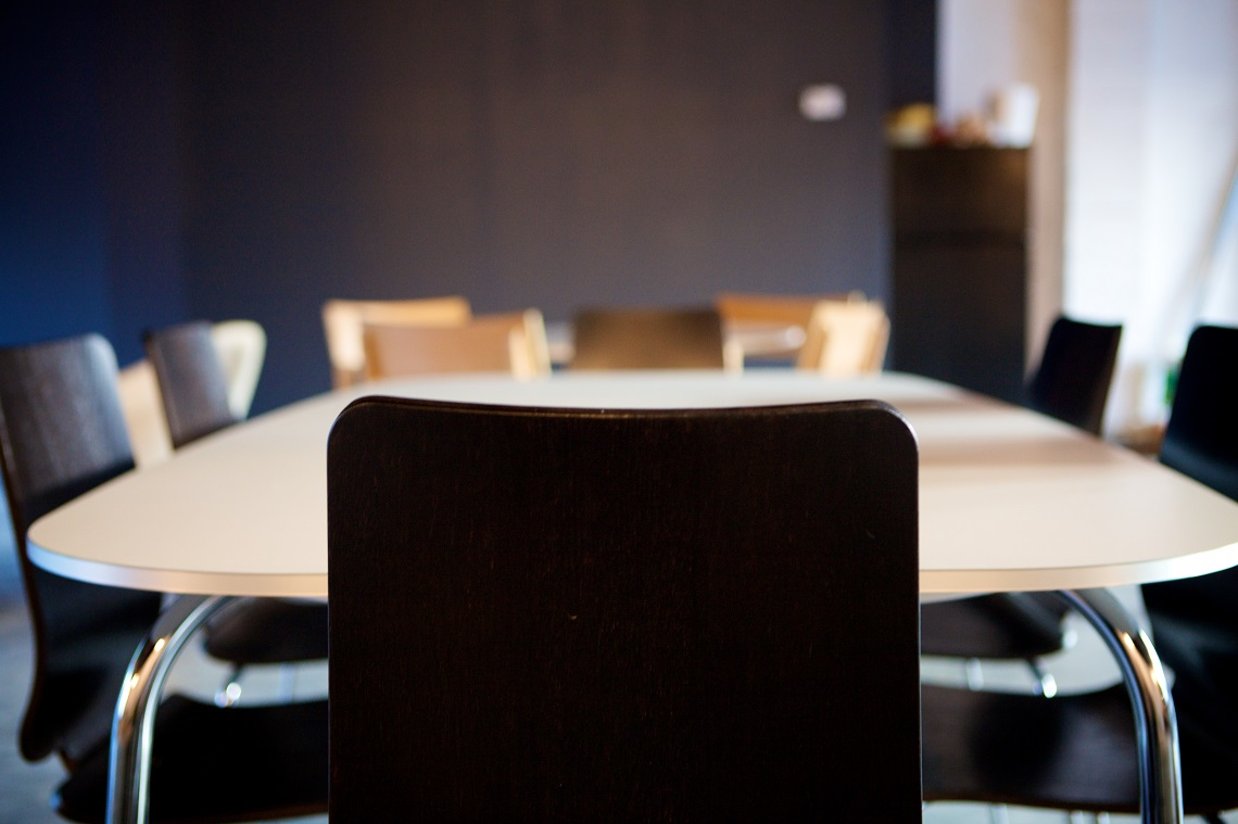 How to Bring the Right Team to the Negotiation Table